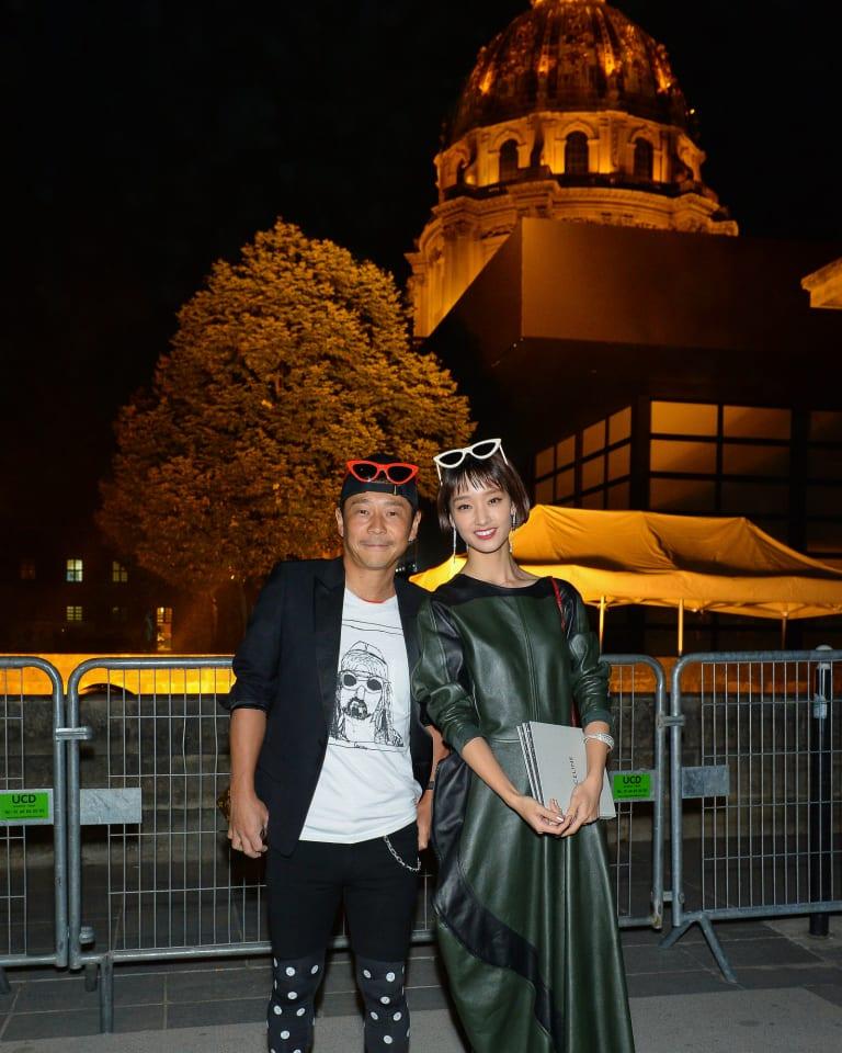 新生「セリーヌ」がショー開催、ZOZO前澤社長と剛力彩芽の姿も
