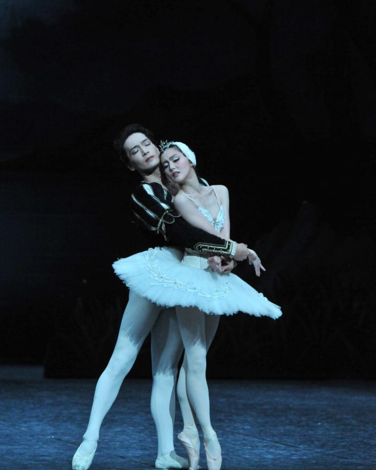 『白鳥の湖』(撮影:山廣康夫) 『白鳥の湖』(撮影:山廣康夫)
